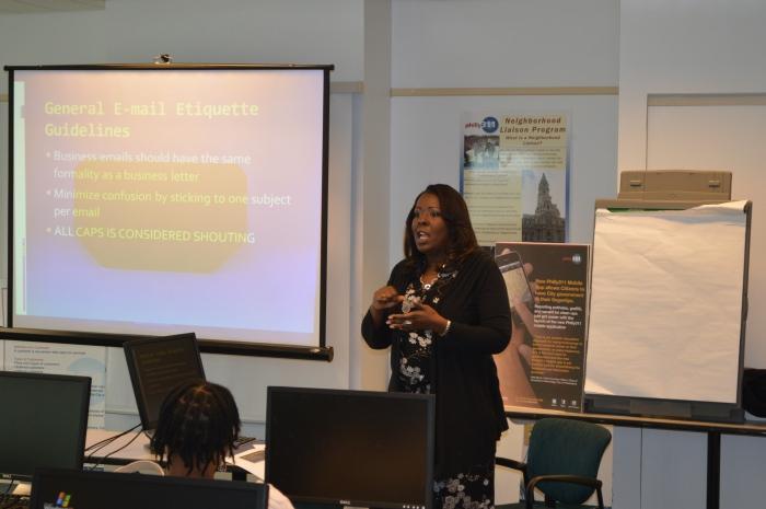Kathy Cruz instructs a CSLA class.